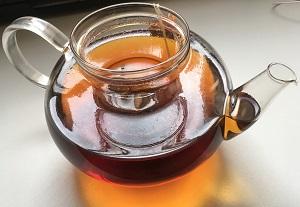 Behandlung von Strahlfäule mit schwarzem Tee